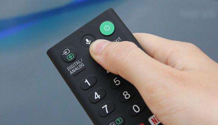 Smart tivi Sony hổ trợ tìm kiếm bằng giọng nói Tiếng Việt
